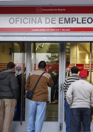 Foto: El paro sube en 144.700 personas en el tercer trimestre: roza los 5 millones de desempleados