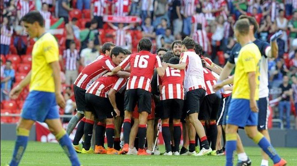 Foto: El Bilbao Athletic sube a Segunda 19 años después y condena una vez más al Cádiz