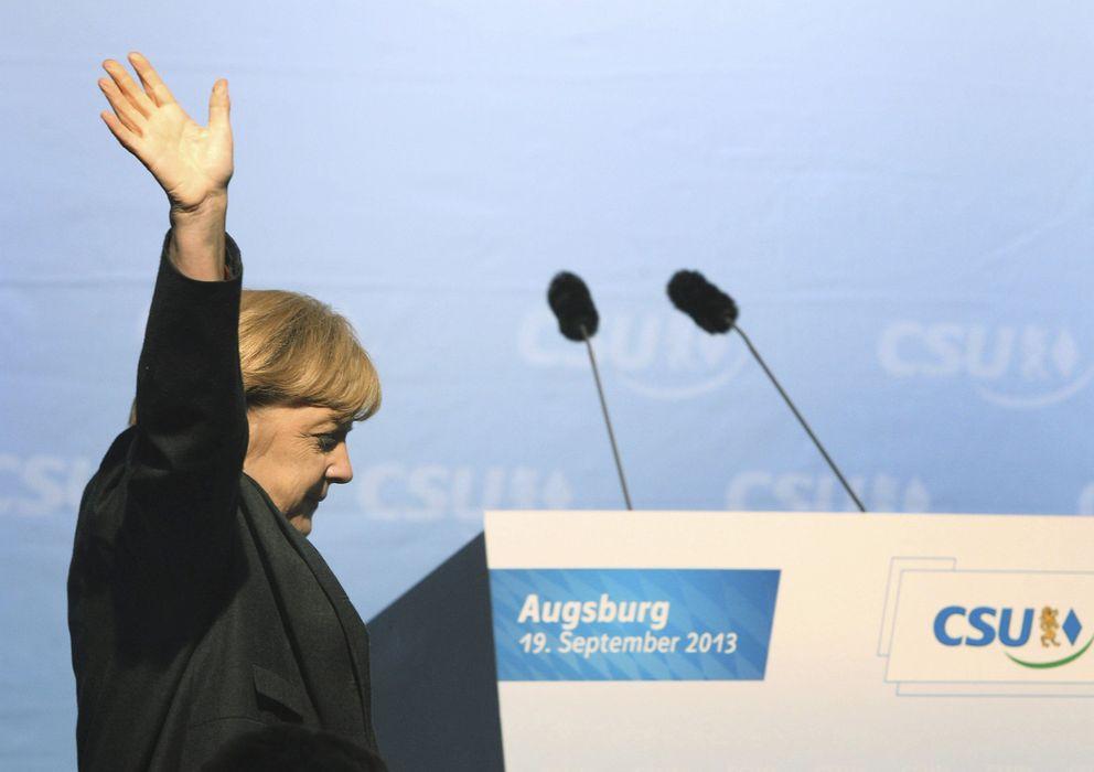 Foto: Angela Merkel se dispone a pronunciar un discurso en un acto de campaña en Ausbur (Efe)