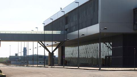 El comprador del aeropuerto fantasma de Ciudad Real sale corriendo en plena firma