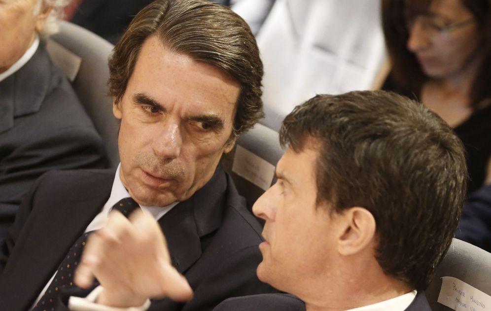 Foto: José María Aznar junto a Manuel Valls este jueves. (EFE)