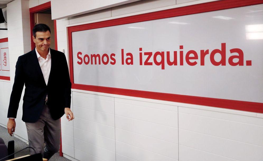 Foto: Pedro Sánchez, este 27 de octubre antes de su comparecencia en Ferraz. (EFE)