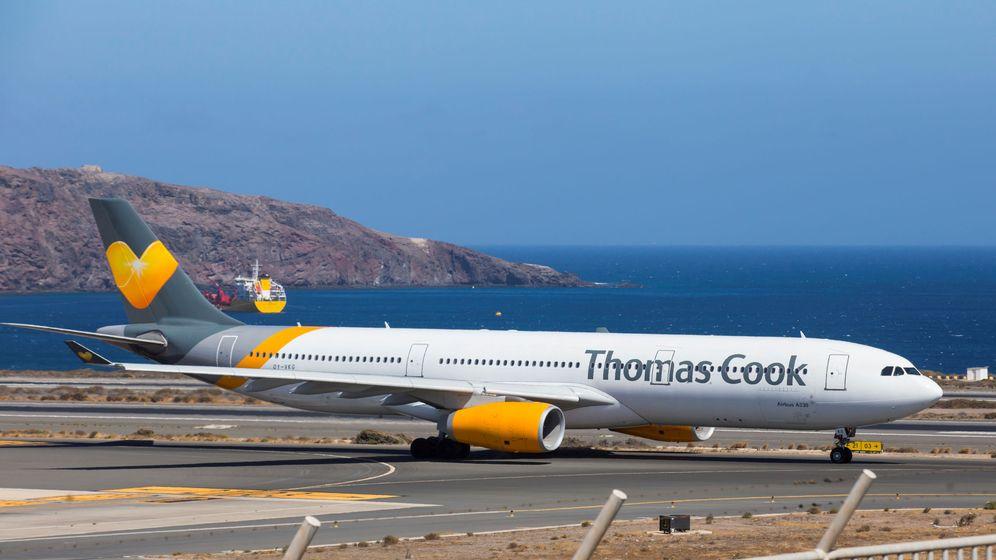 Foto: Un avión de Thomas Cook, en Canarias. (Reuters)