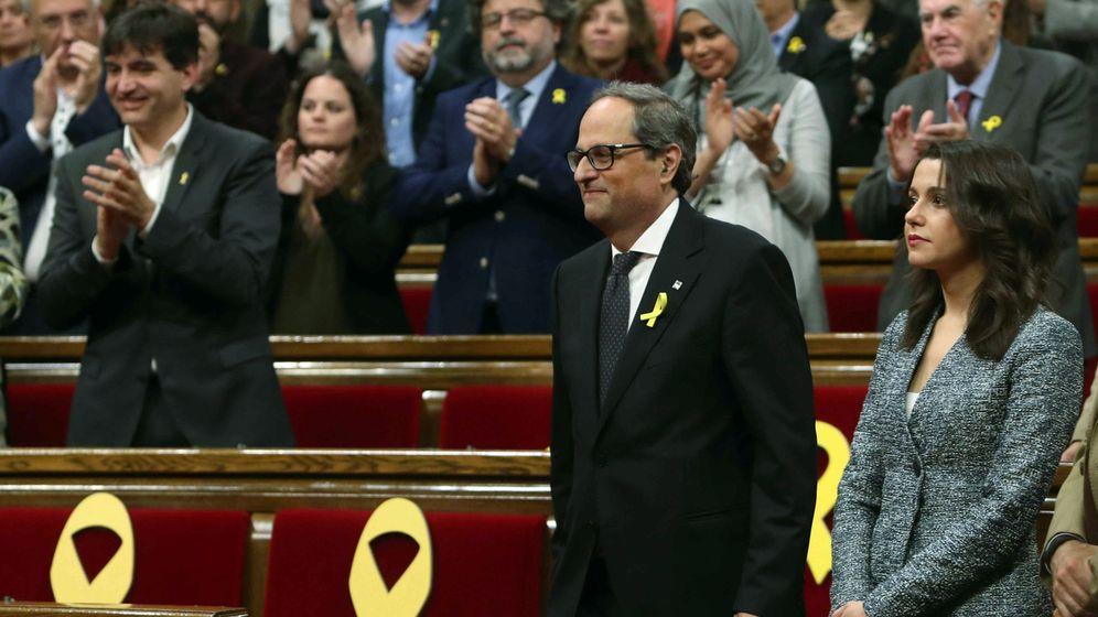 Foto: El presidente de la Generalitat, Quim Torra, junto a la líder de Cs en Cataluña, Inés Arrimadas. (EFE)