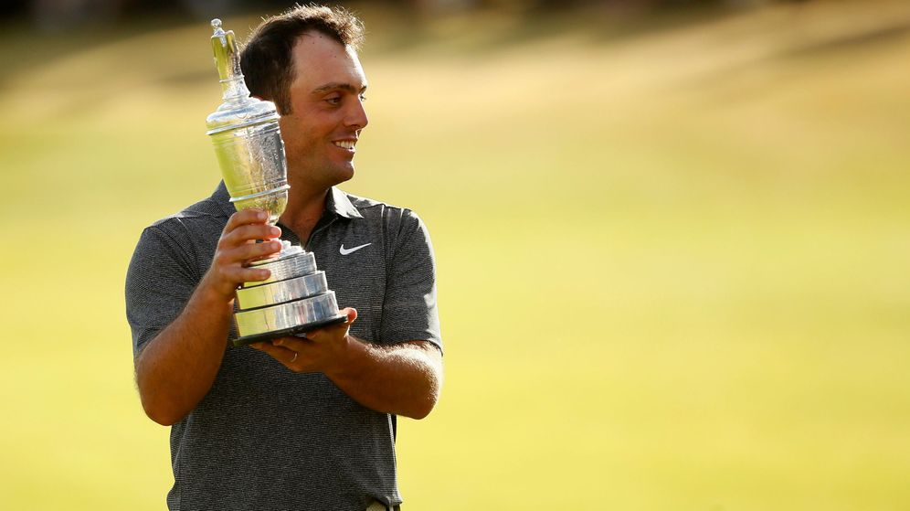 Foto: Molinari con su trofeo. (Reuters))