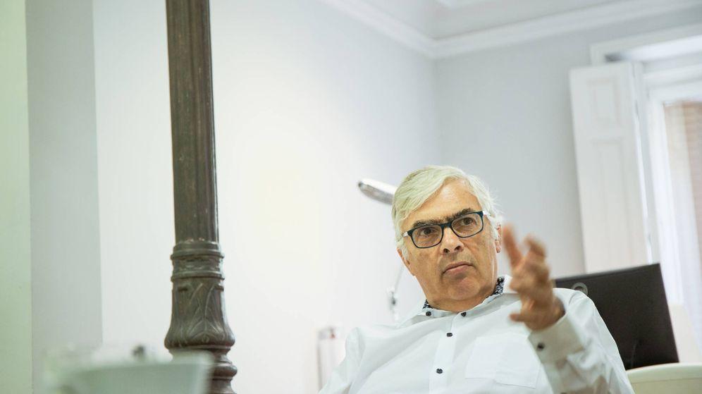 Foto: Wilheim Hofmeister en su despacho de la Fundación Konrad Adenauer. (Jorge Álvaro Manzano)
