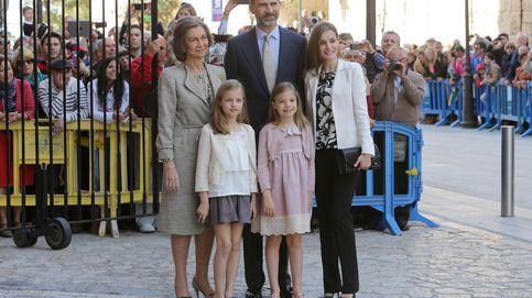 La presencia de los Reyes y sus hijas en la tradicional Misa de Pascua, en el aire