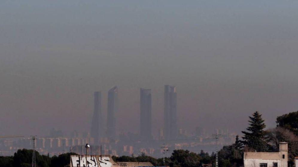 Foto: El 'smog' de Madrid (EFE)