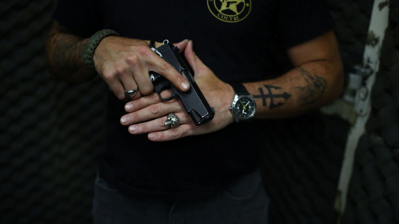 Colt suspende la fabricación de fusiles para civiles en EEUU por saturación del mercado