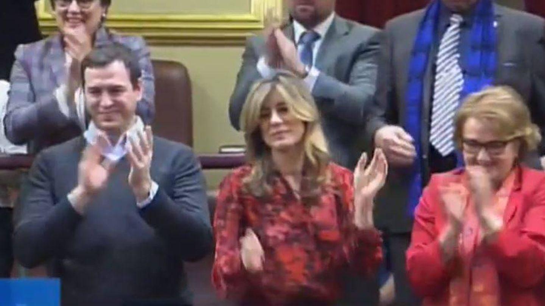 Begoña Gómez, en la grada de invitados durante la investidura de Sánchez. (RTVE)