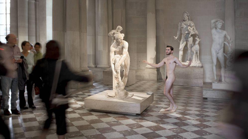 Foto: 'Desnudo en el Louvre', de Cristina Lucas
