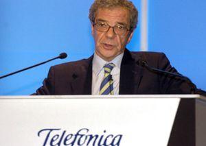 Alierta echa una mano a Polanco y pone a su disposición el teléfono y el ADSL de Telefónica