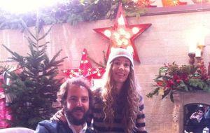 Blanca Cuesta y Borja Thyssen, solidarios en un mercadillo navideño