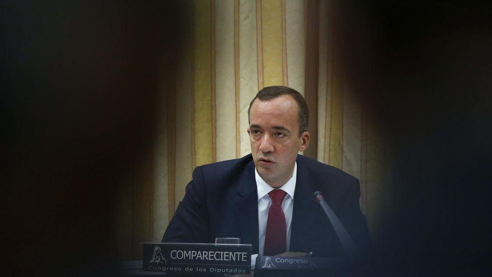 Interior destituye a un alto asesor del secretario de Estado por falta de confianza
