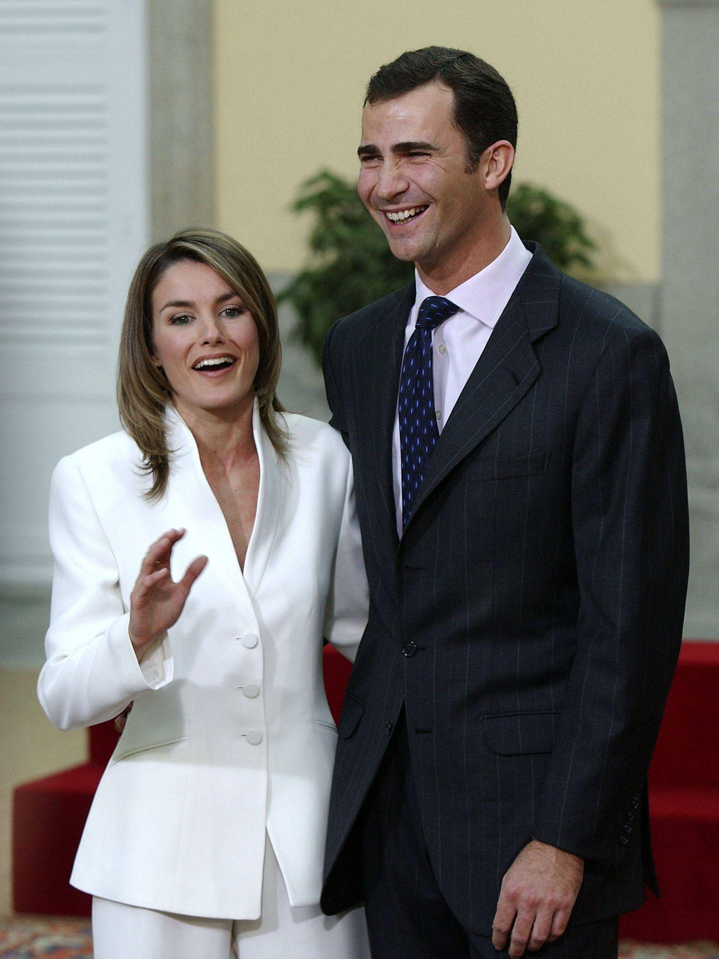 Letizia Ortiz durante el anuncio oficial de su compromiso con don Felipe. (Getty)
