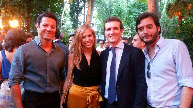 Pablo Casado junto a otros invitados en la fiesta de Elle Gourmet.