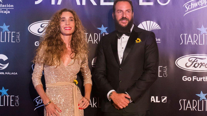 Borja Thyssen y Blanca Cuesta, a su llegada a la gala benéfica de la décima edición del Starlite Festival. (EFE)