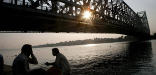 Post de Un mago indio intenta imitar un truco de Houdini pero desaparece en el río