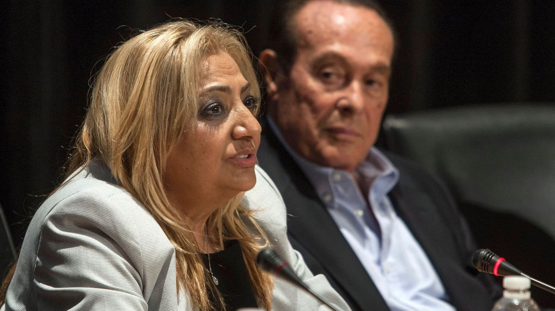 Curro Romero y Dolores Montoya, durante el congreso 'Leyenda Camarón. 25 Años'. (EFE)