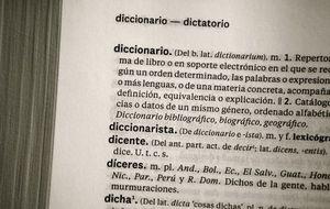 La edición se aferra al Diccionario de papel