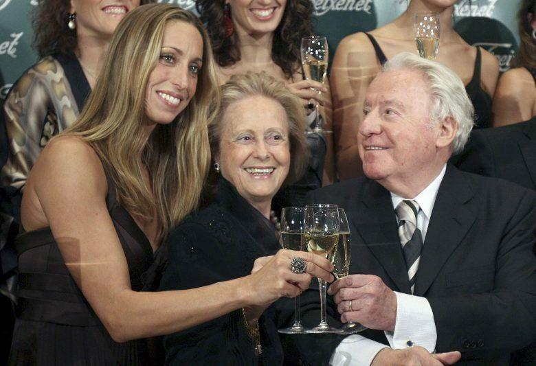 Gemma Mengual junto a Josep Ferrer Sala y su mujer (Efe)