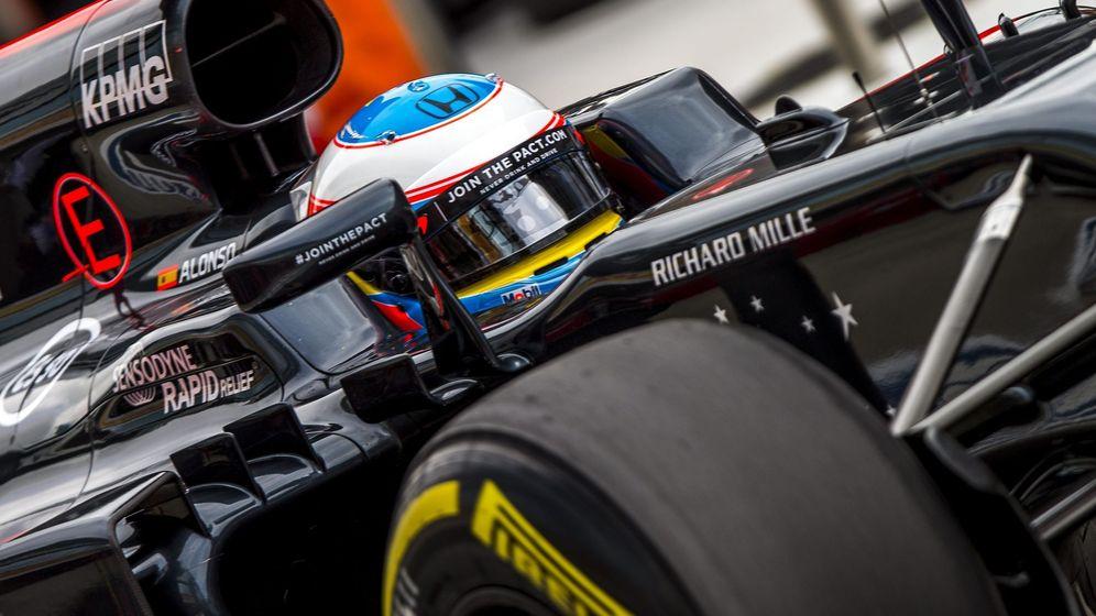 Foto: Fernando Alonso en el MP4-31 de Rusia.