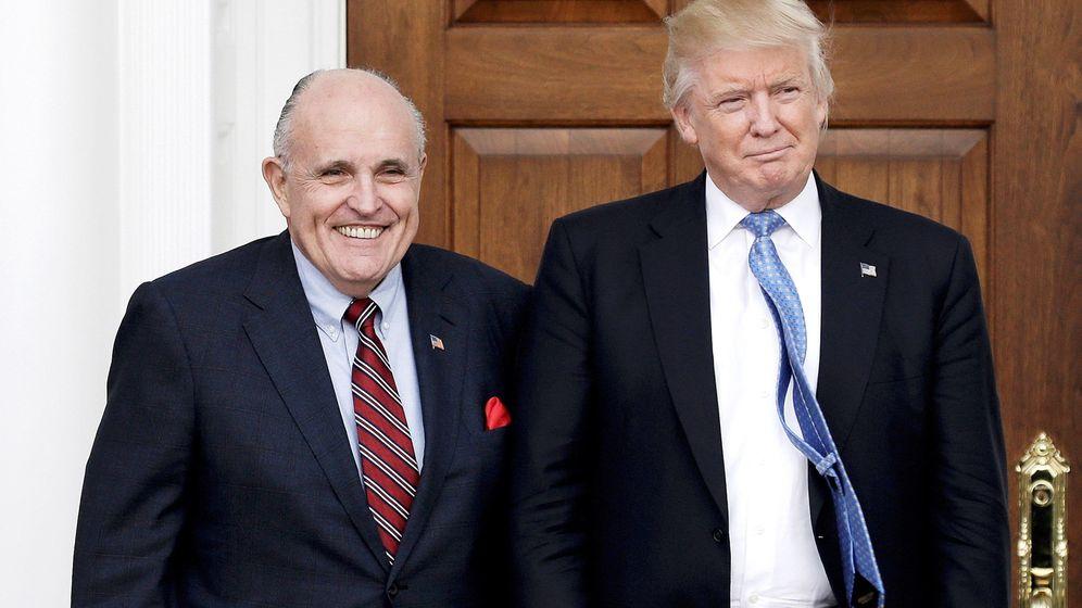 Foto: Rudy Giuliani junto a Donald Trump. (EFE)