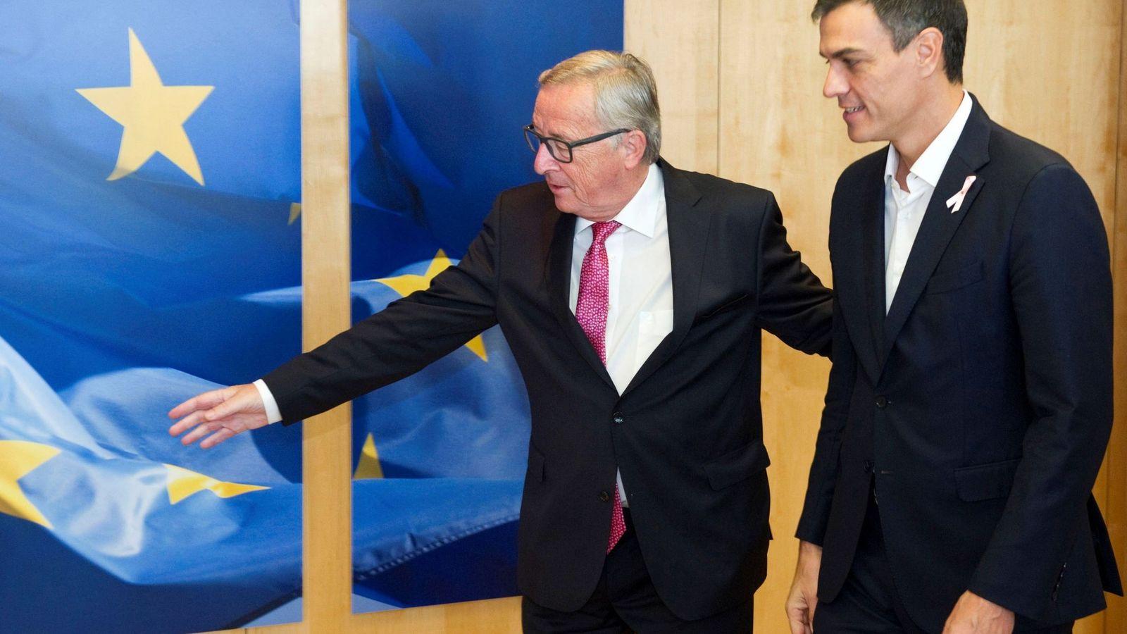 Foto: Reunión de Pedro Sánchez con el presidente de la CE, Jean-Claude Juncker. (EFE)