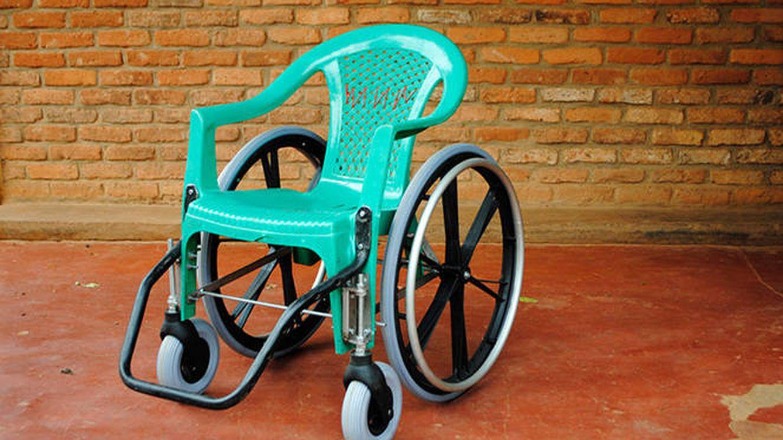 Foto: Sillas de ruedas recicladas en Ruanda