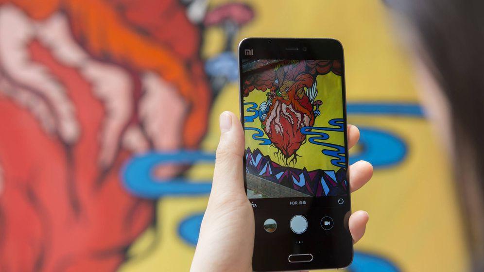 Foto: El sucesor del Xiaomi Mi5 (en la imagen) aspira a convertirse en uno de los buques insignia de la firma en este 2017. (Zigor Aldama)