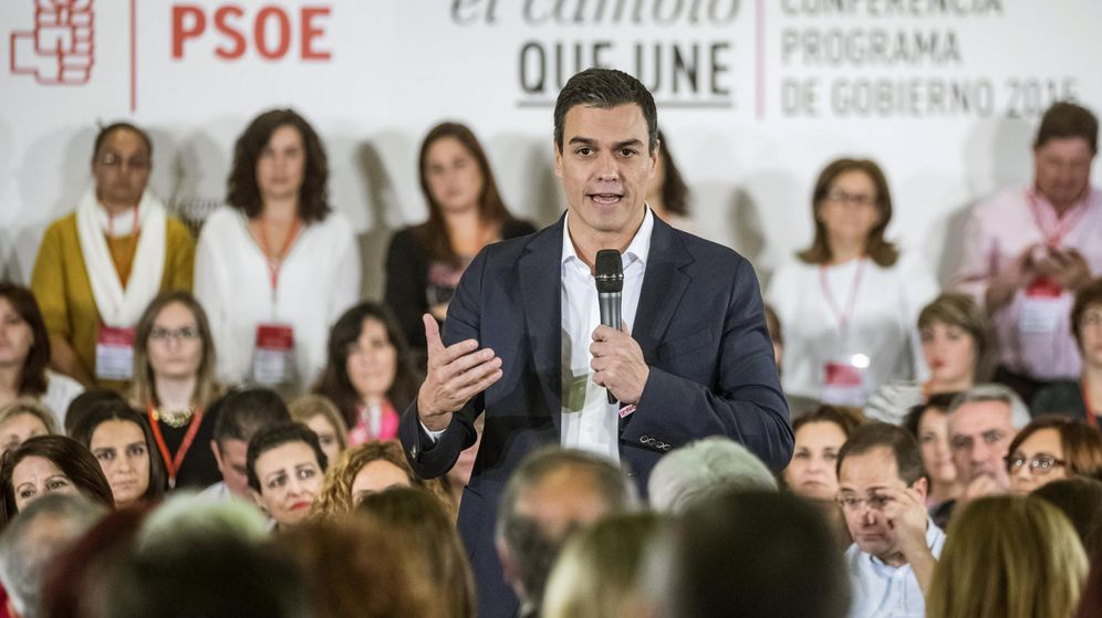 Foto: Pedro Sánchez, durante su intervención este domingo en el debate de las enmiendas al programa electoral del 20-D, en el hotel Meliá Avenida de América. (EFE)