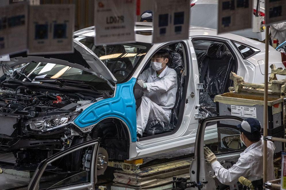 Foto: Fábrica de coches en Wuhan. (EFE)