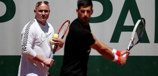 Post de Djokovic quiere respirar con Agassi