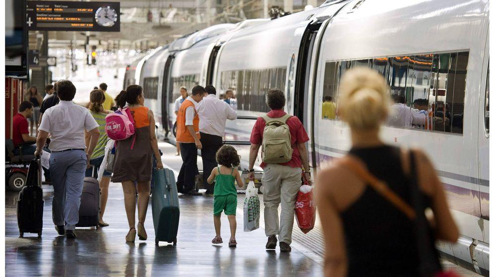 Foto: Viaje en tren (EFE)