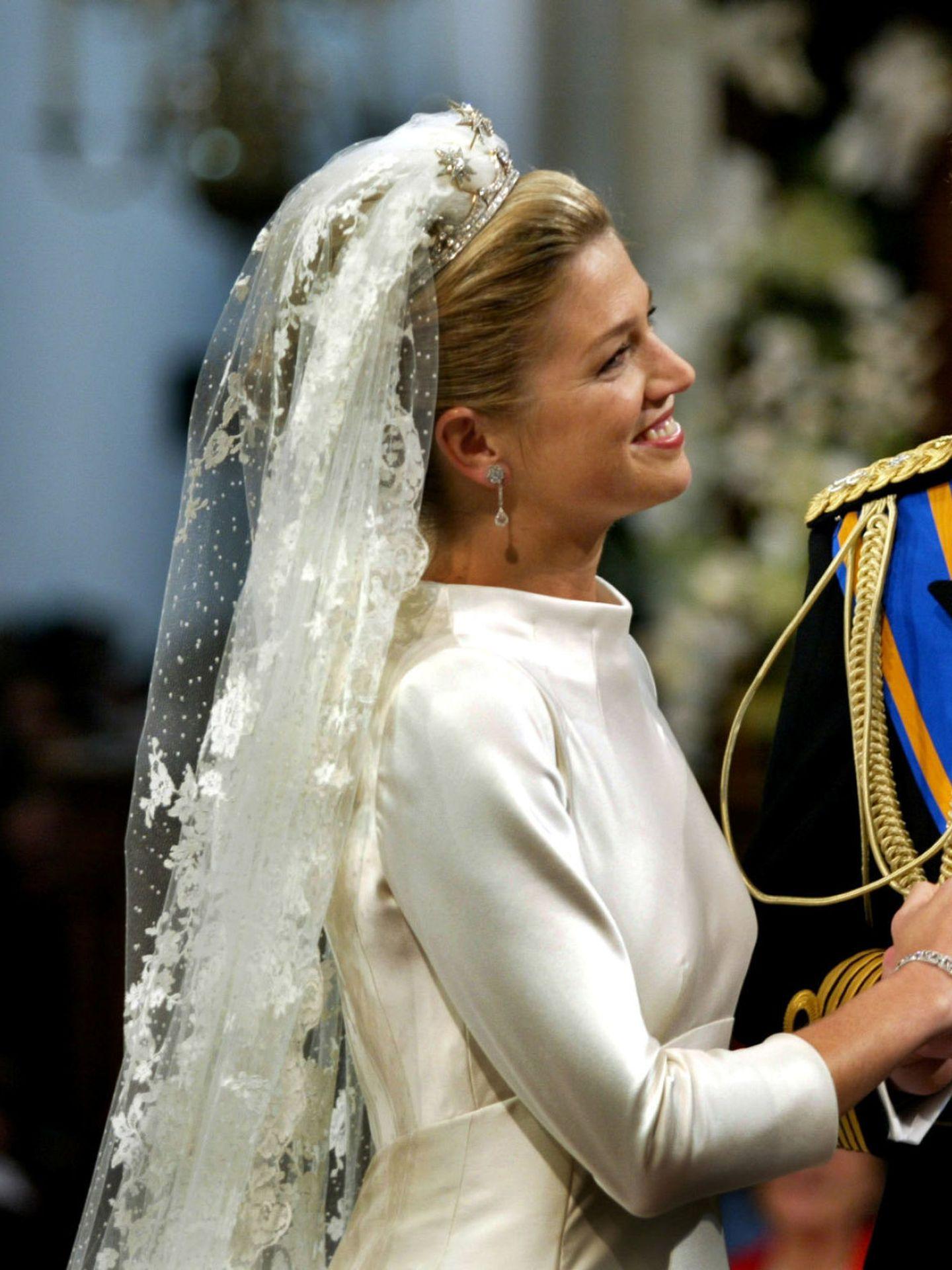 Detalle del velo y la parte superior del vestido de Máxima de Holanda. (Reuters)