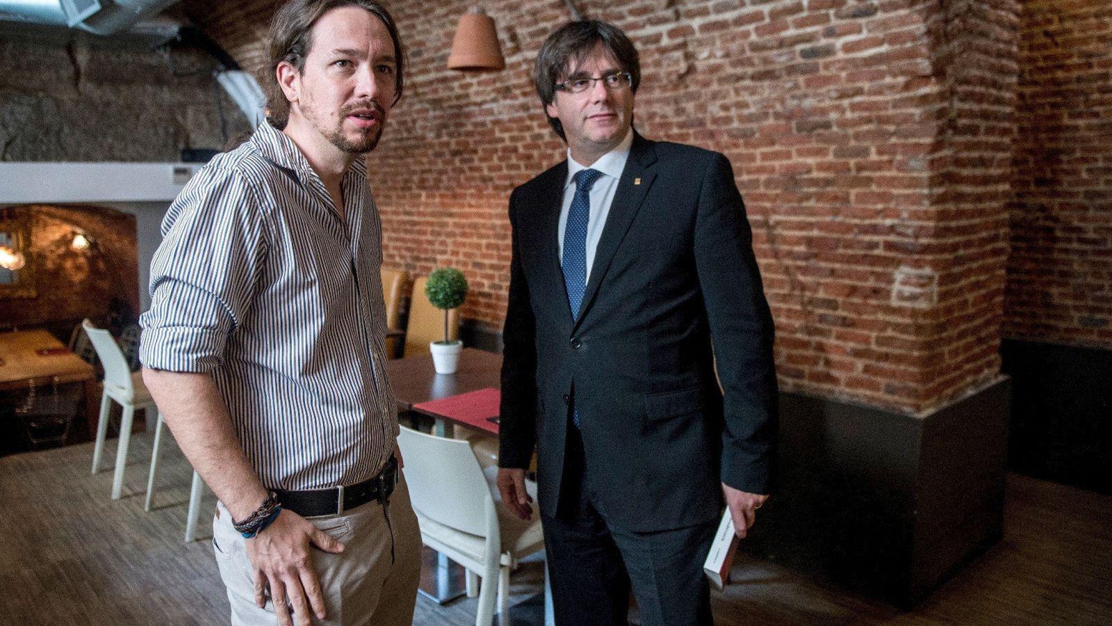 Foto: Puigdemont con Iglesias en 2016. (EFE)