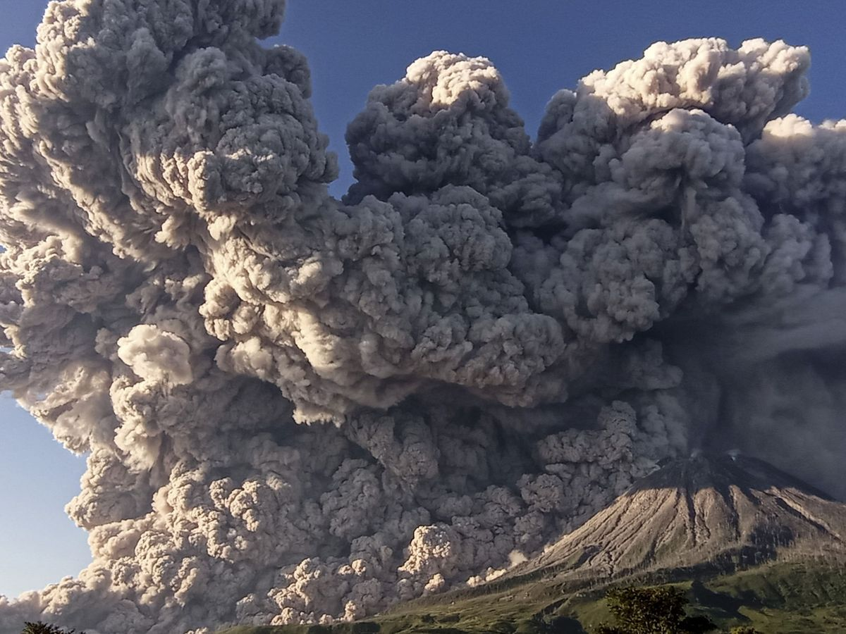 Foto: Volcán Sinabung. (Reuters)