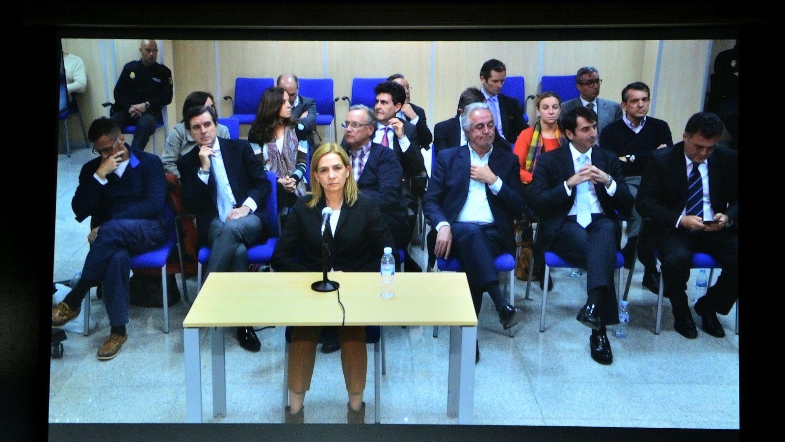 Foto: La infanta Cristina declara en Palma de Mallorca por el juicio del Caso Nóos. (EFE)