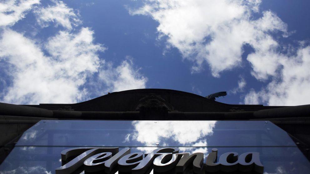 Telefónica hace un roto de 920 millones a BBVA y CaixaBank por la bolsa