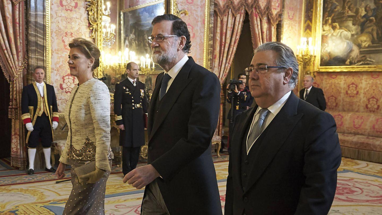 María Dolores de Cospedal, Mariano Rajoy y Juan Ignacio Zoido, en una imagen de 2018. (Getty)