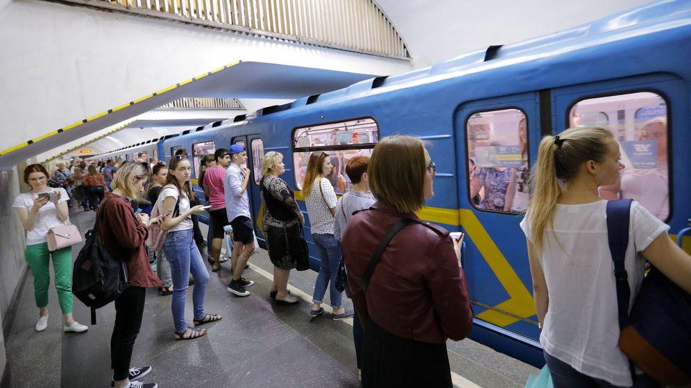 Foto: Imagen del metro de Kiev este sábado por la mañana. (EFE)