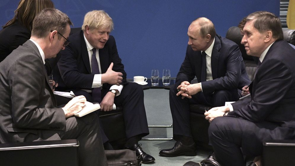 Foto: Boris Johnson y Vladimir Putin. (EFE)