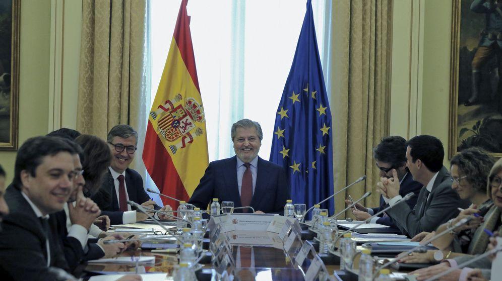 Foto: El ministro de Educación, Íñigo Méndez de Vigo (c), durante la Conferencia Sectorial de Educación. (EFE)