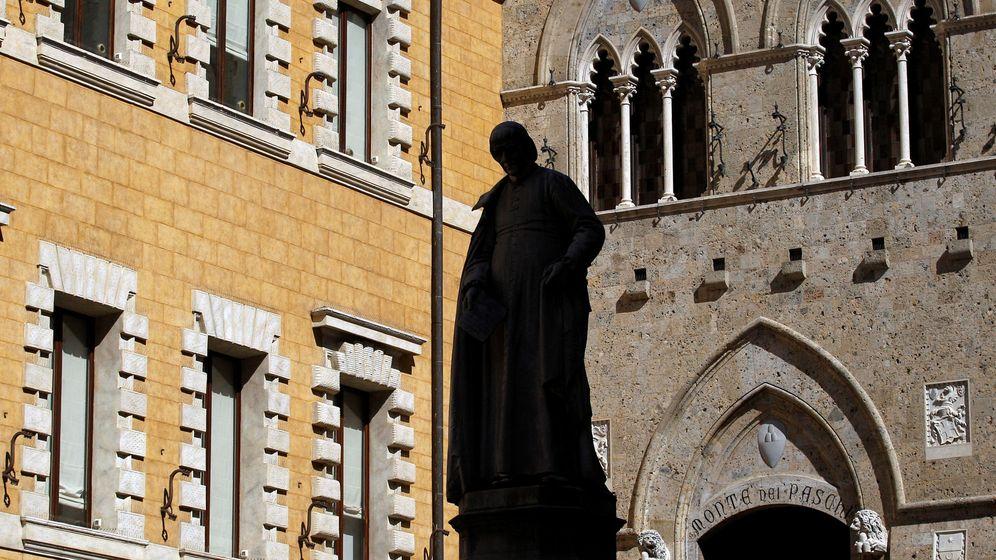 Foto: La entrada a la sede central de Monte dei Paschi, en Siena