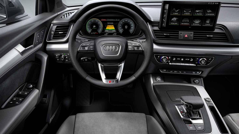 En el interior del Q5 55 TFSIe no hay cambios respecto a las variantes con motor solo térmico..