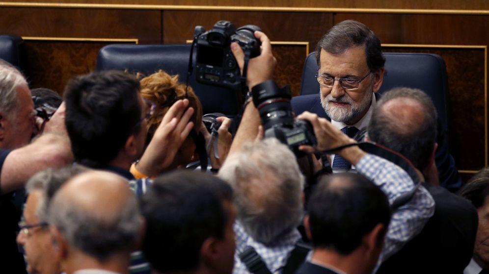 Foto: El presidente del Gobierno, Mariano Rajoy, ante el pleno del Congreso. (EFE)