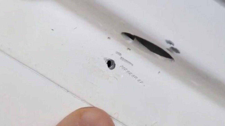 Uno de los agujeros en la Soyuz, que al parecer estaba tapado con pegamento (NASA)