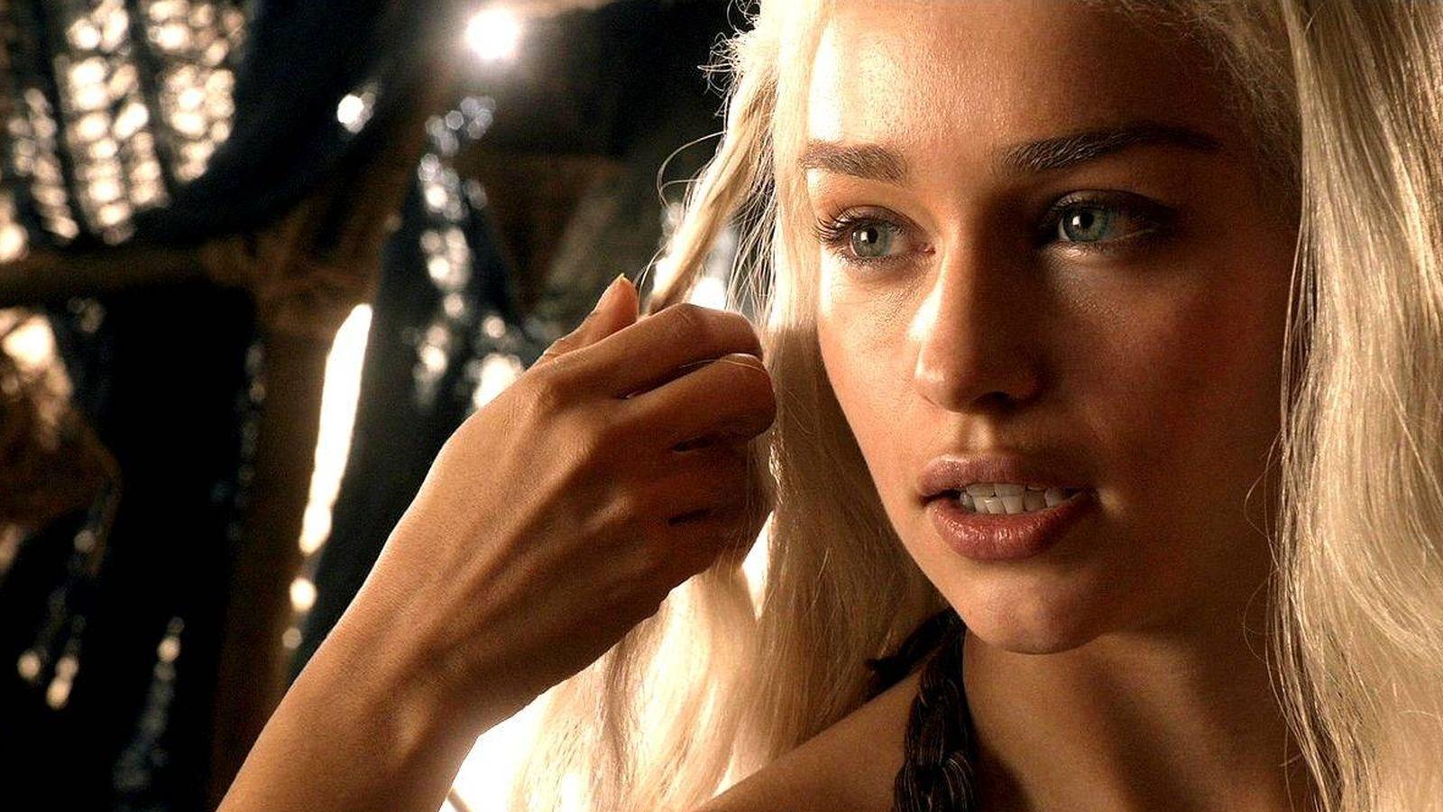 Emilia Clarke Daenerys La Lía Con Su Escena Hot De Juego De Tronos