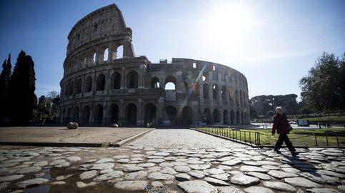 Lugares turísticos vacíos por el coronavirus: calles desiertas en Roma y turistas con mascarillas