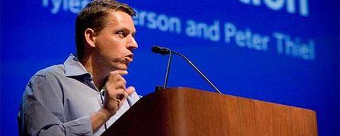 El director de Facebook Peter Thiel vende 20 millones de acciones